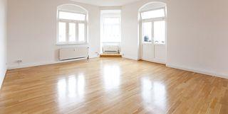 Renovierte, helle Wohnung mit Laminat Fußboden