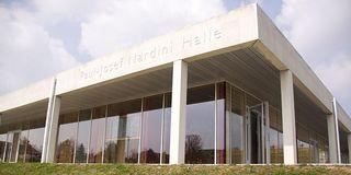 Außenansicht der Paul-Josef Nardini Halle
